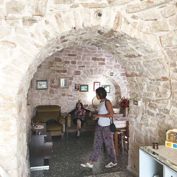 Rione Aia Piccola - all'interno di un trullo